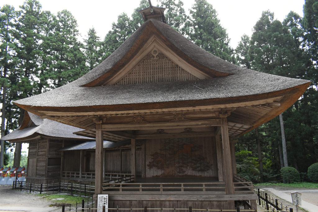 中尊寺内白山神社