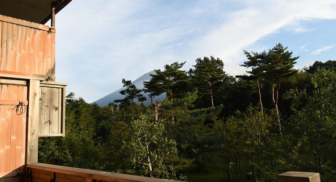 八幡平ハイツ部屋から見た岩手山